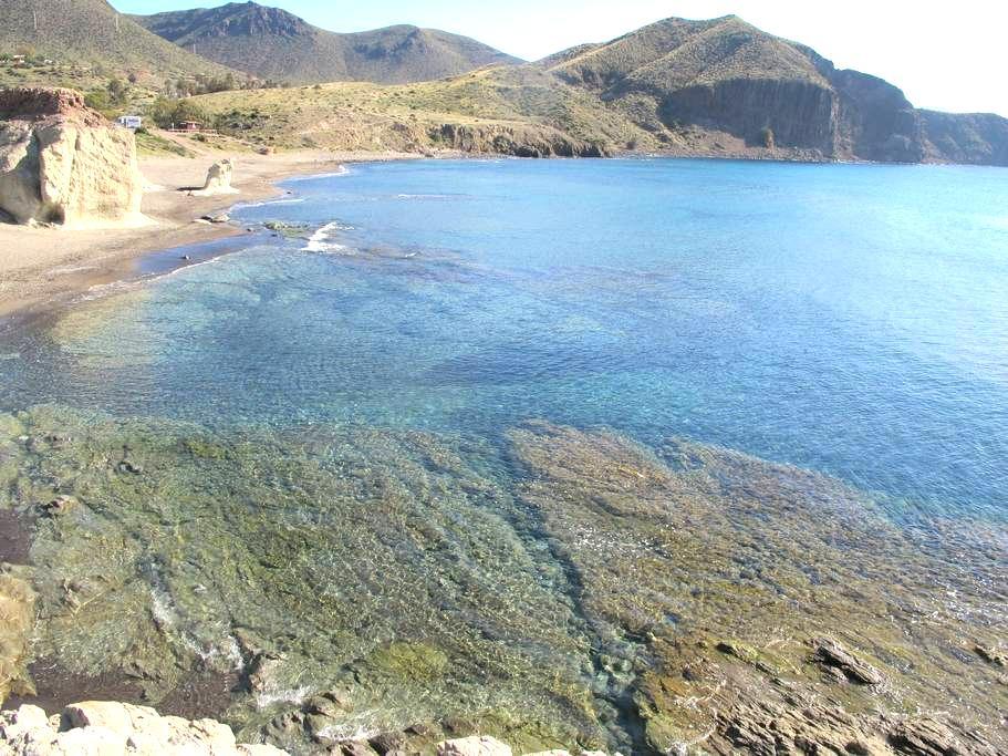 La Isleta del Moro, pequeño paraíso - La Isleta del Moro