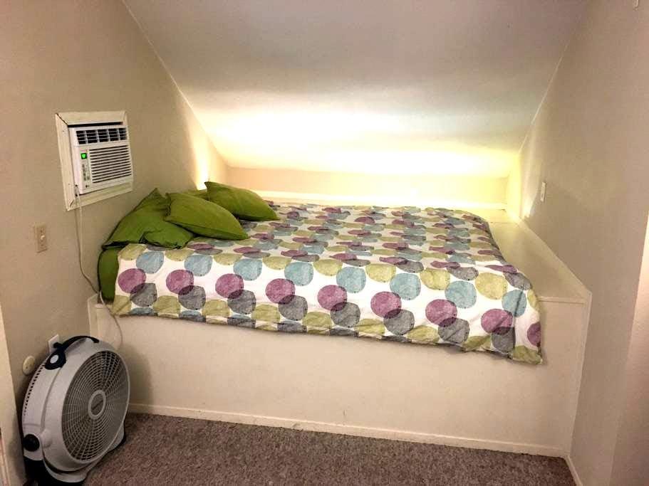 Austin/Round Rock Bonus Room - Round Rock - Ev