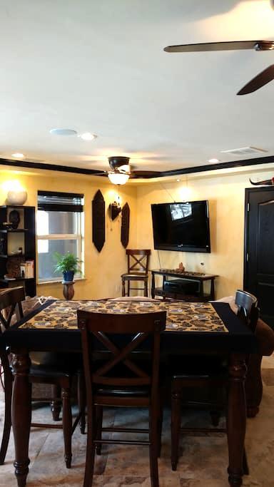 Luxurious Hidaway - Grand Junction - Apartemen