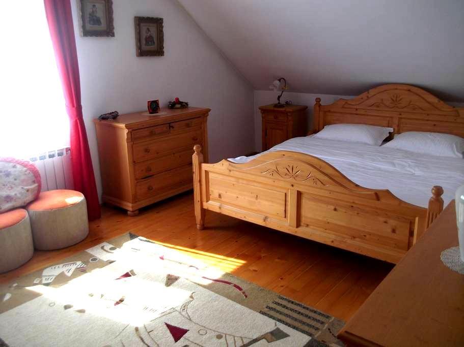 Villa/Room, Nr.3 (Commun bathroom) - Oradea - Villa