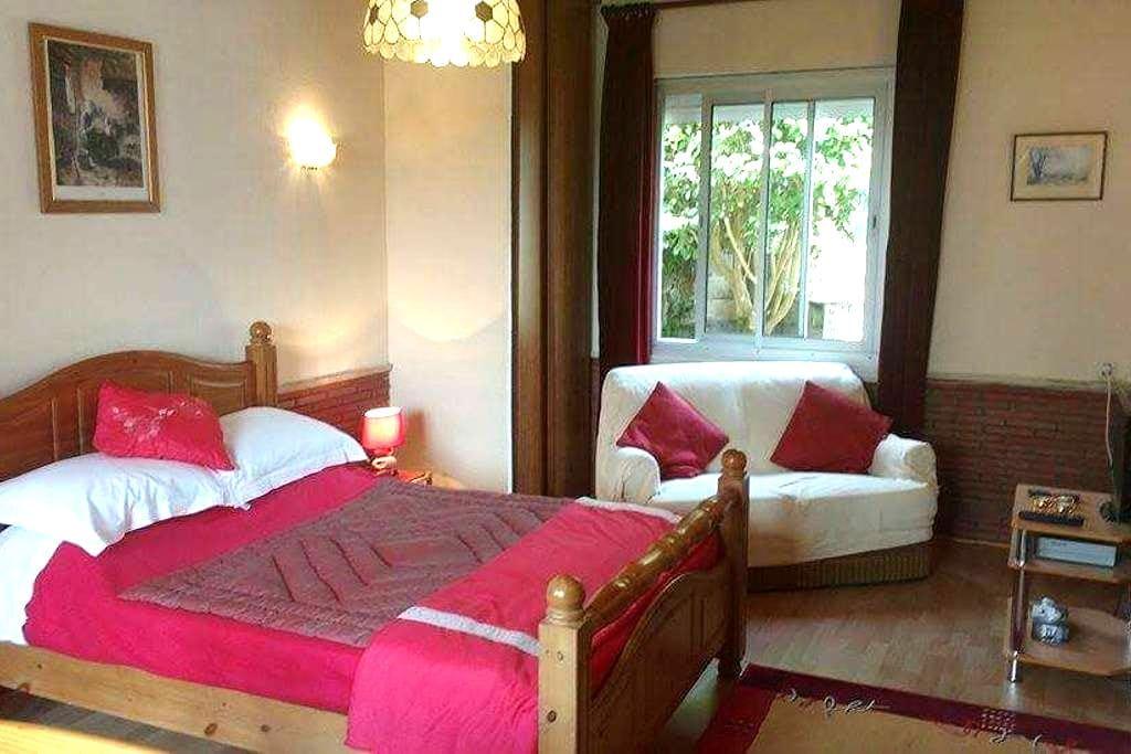 Maison Ellesmere B&B    La Coquille - La Coquille - Bed & Breakfast