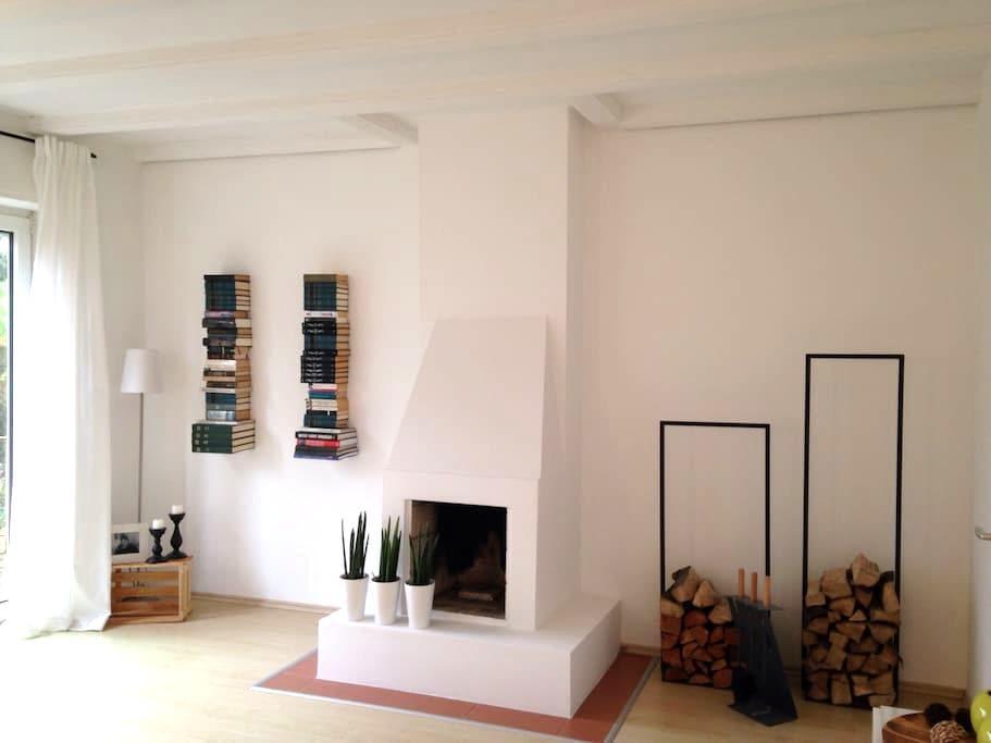 Idyllisches Haus mit Rheintalblick - Bendorf - บ้าน