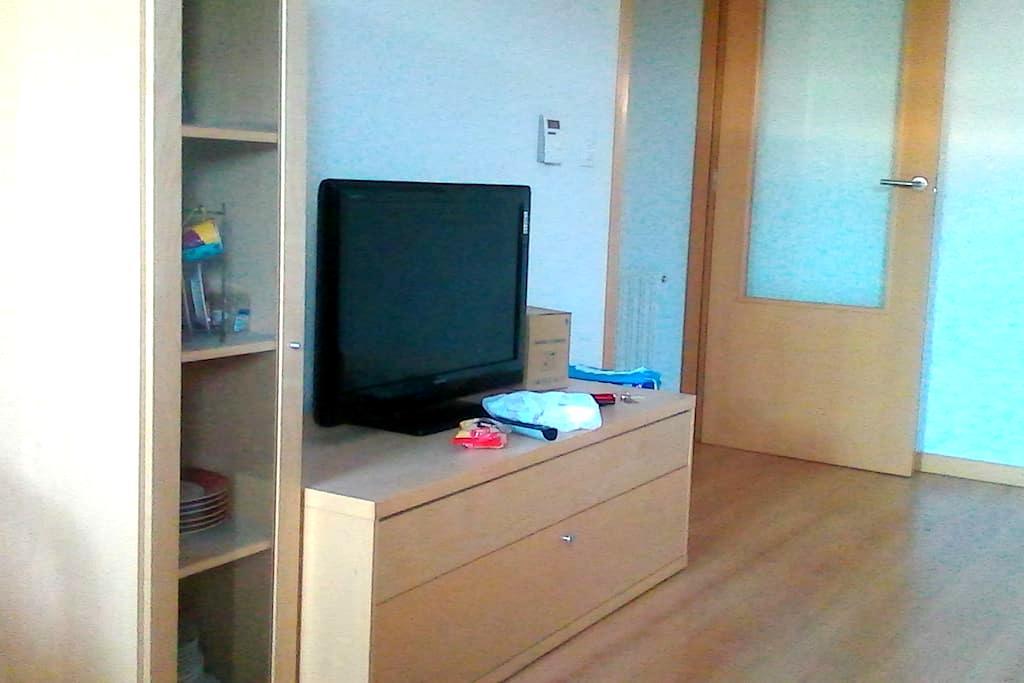 Habitación con derecho a cocina y baño. - Zizur Mayor - Byt