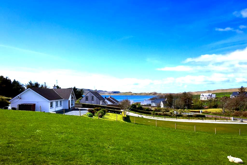 Light, bright with beautiful views - Dunfanaghy - Hus