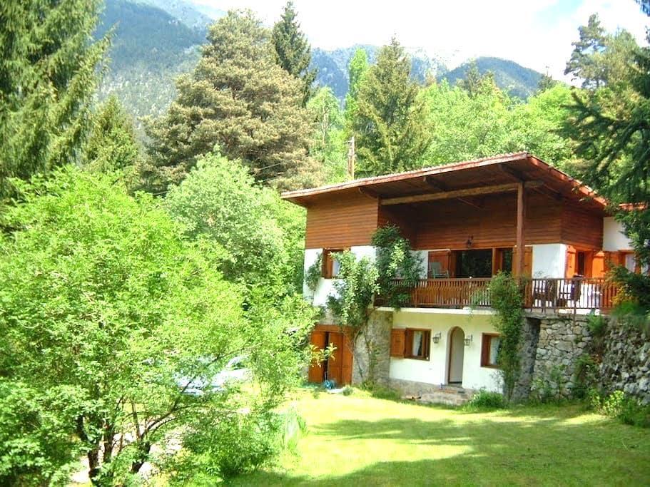 Grand chalet: nature confort hammam - Saint-Martin-Vésubie - House