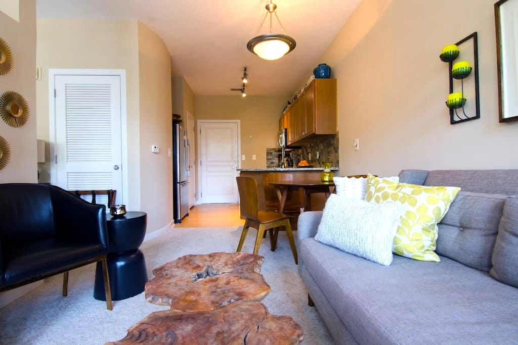 Beautiful Studio one mile from Uptown Charlotte - Charlotte - Apartamento