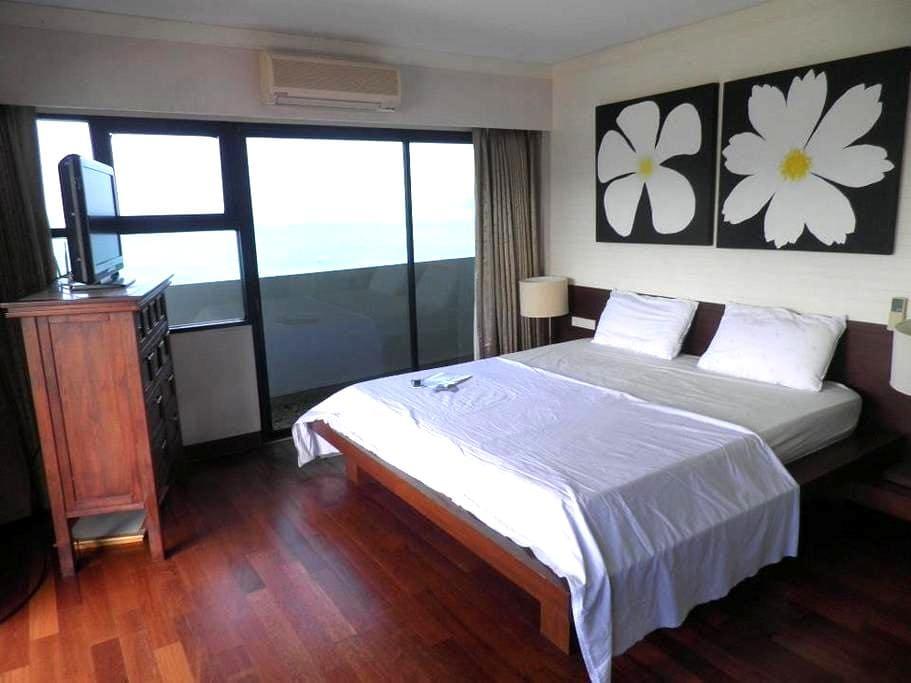 Patong Tower Sea View Corner apartm - Patong - Byt