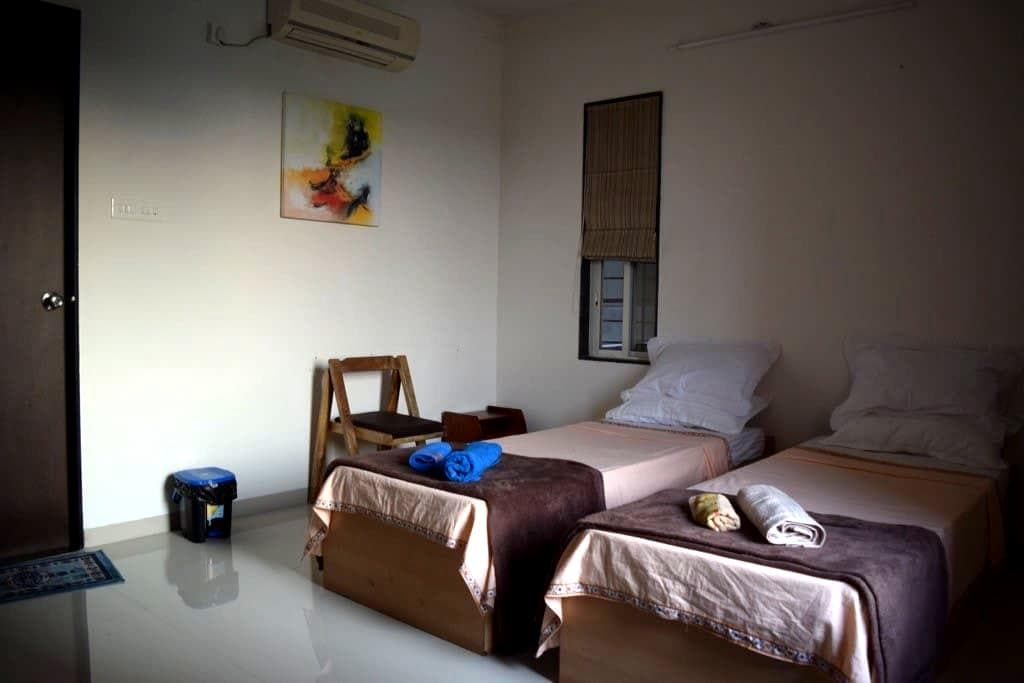 Nashikbnb Room #3 for 2 Guests & 1 Child - Nashik