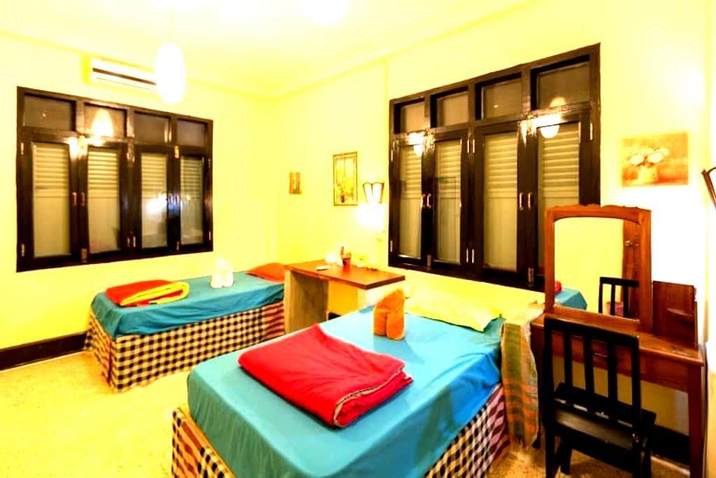 Viradesa guesthouse温馨舒适的标准间 - 琅勃拉邦(Luang Prabang) - 独立屋