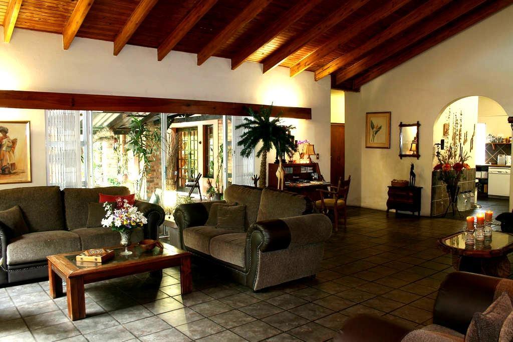 Maputaland Guest House - Saint Lucia