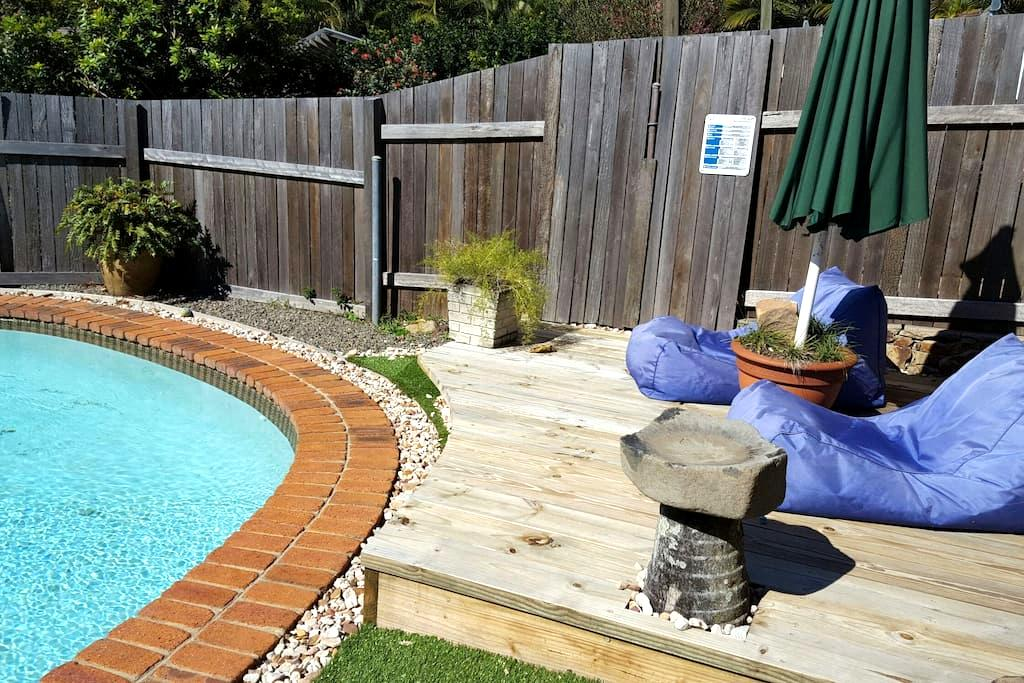Funky Poolside Granny Flat - Coolum Beach - Casa