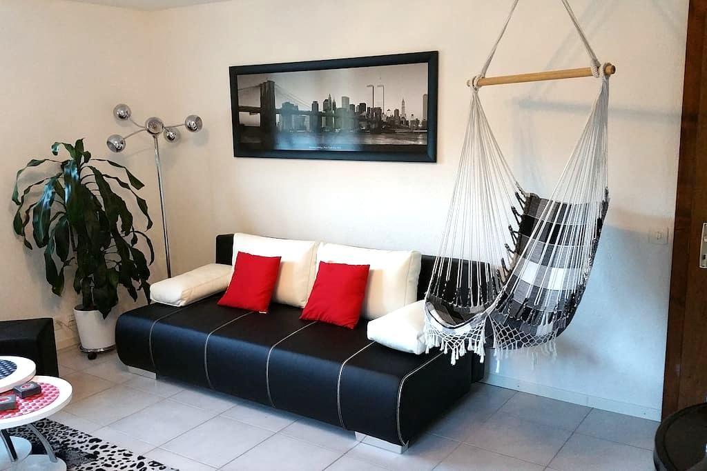 Studio indépendant dans villa en Valais central - Grône - Villa