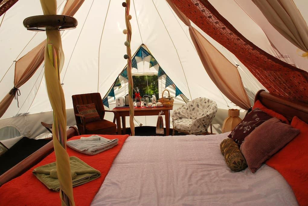 Glamping in a Permaculture Paradise - Pohara - Yurt