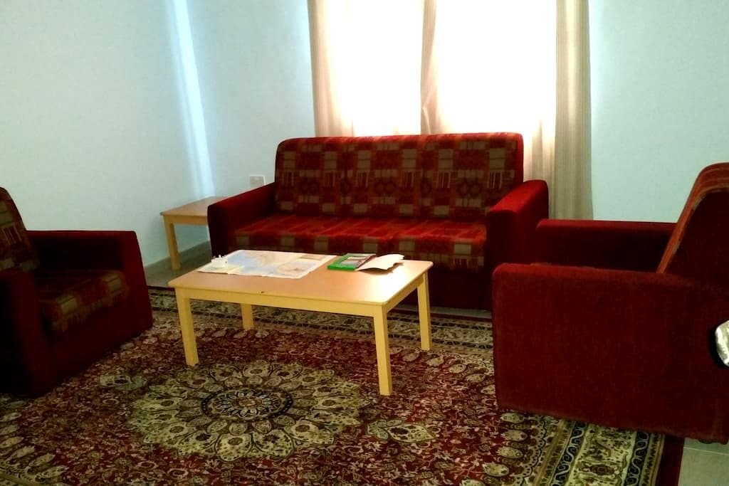Extra spacious room - Seeb - Appartement