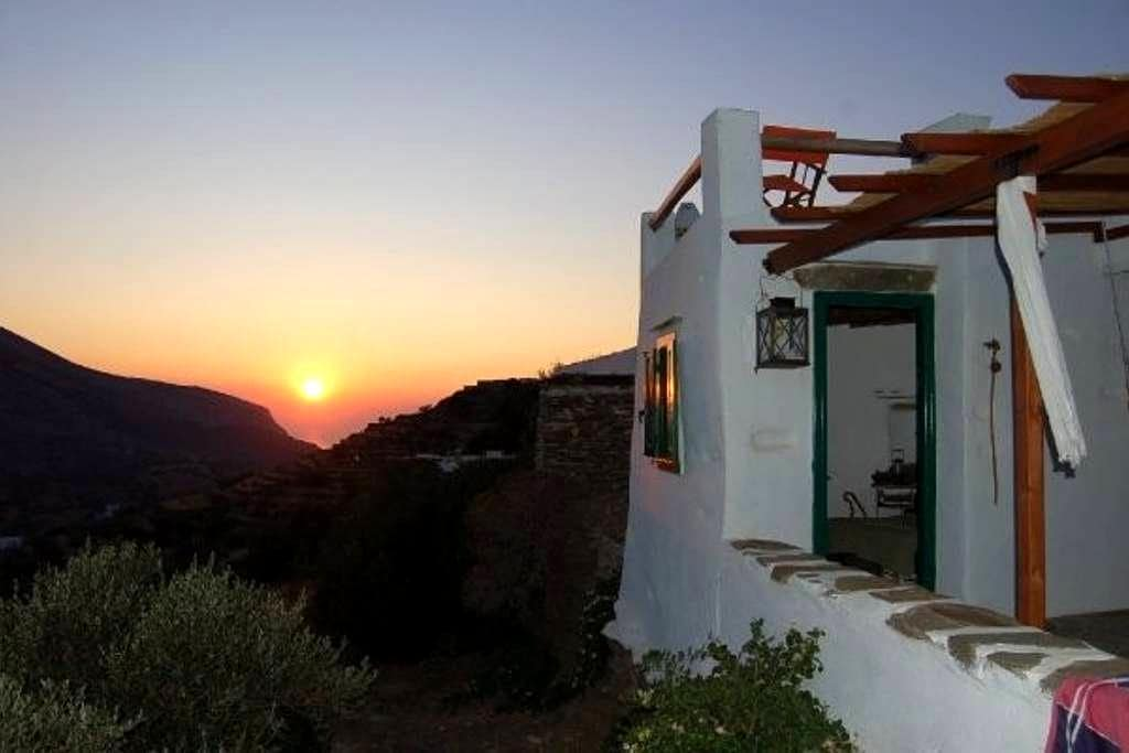 Traditional stone cottage in Sifnos - Ano Petali - Ev