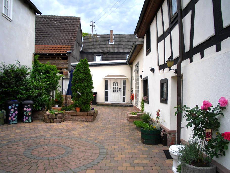 Between Frankfurt and Darmstadt - Dreieich