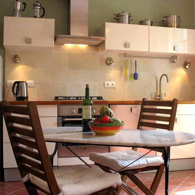 Romantic Hideaway in Sunny Céret - Céret - Apartamento