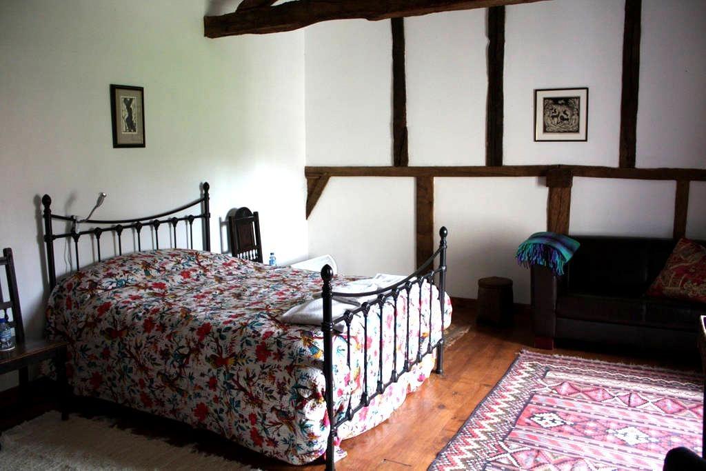 The White Garden Room - Termes-d'Armagnac