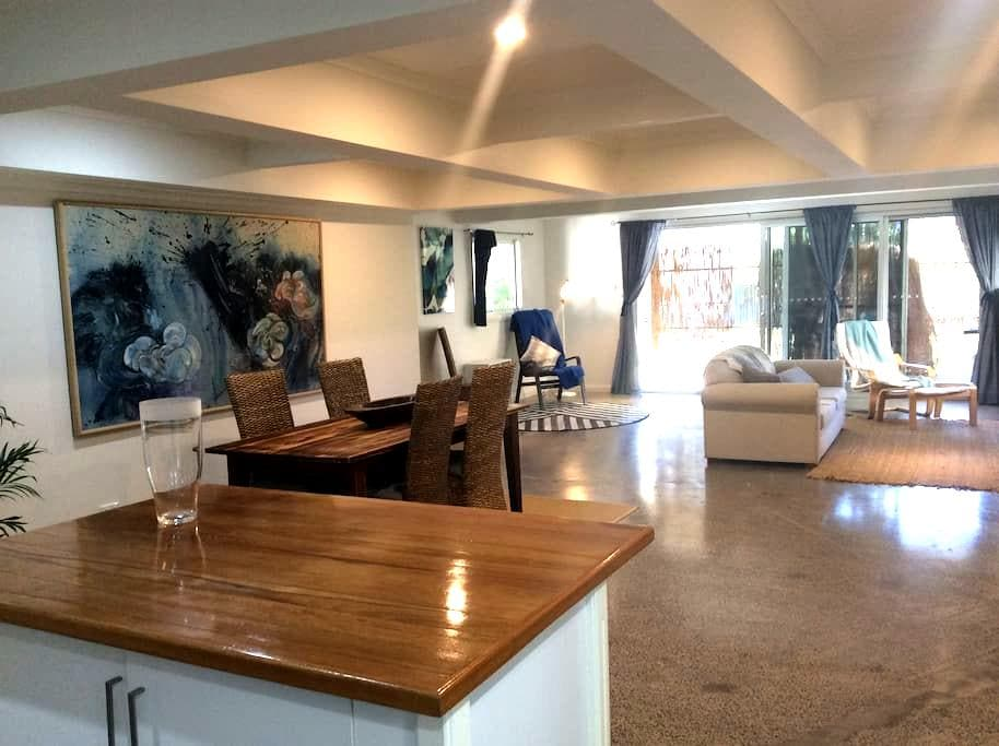 The Waves Retreat - Thirroul - Huis