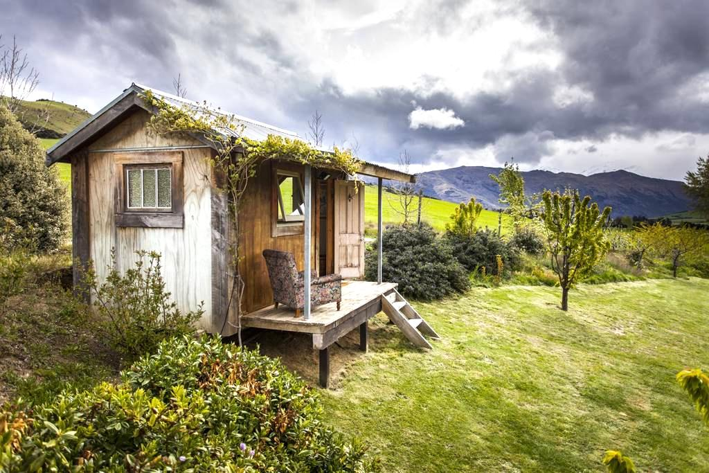 The cosy cabin with the stunning location and view - Wanaka - Cabin