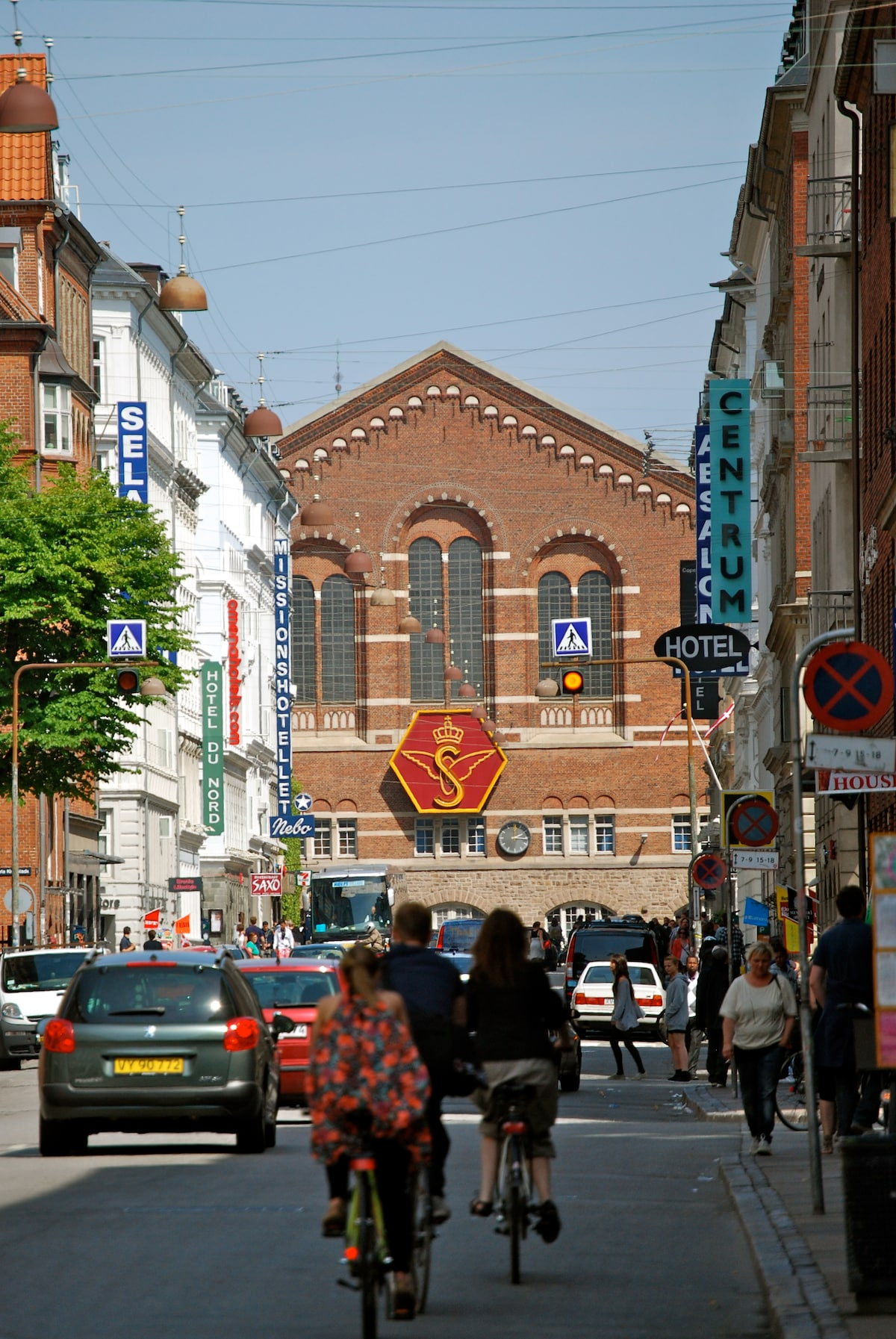Copenhagen Central Station is very close by - 500 meters - charming and vibrant neighborhood of Vesterbro :-)
