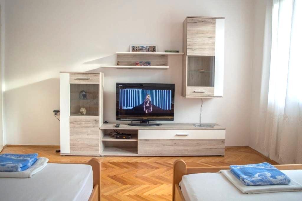 Risan Room 1 - Risan