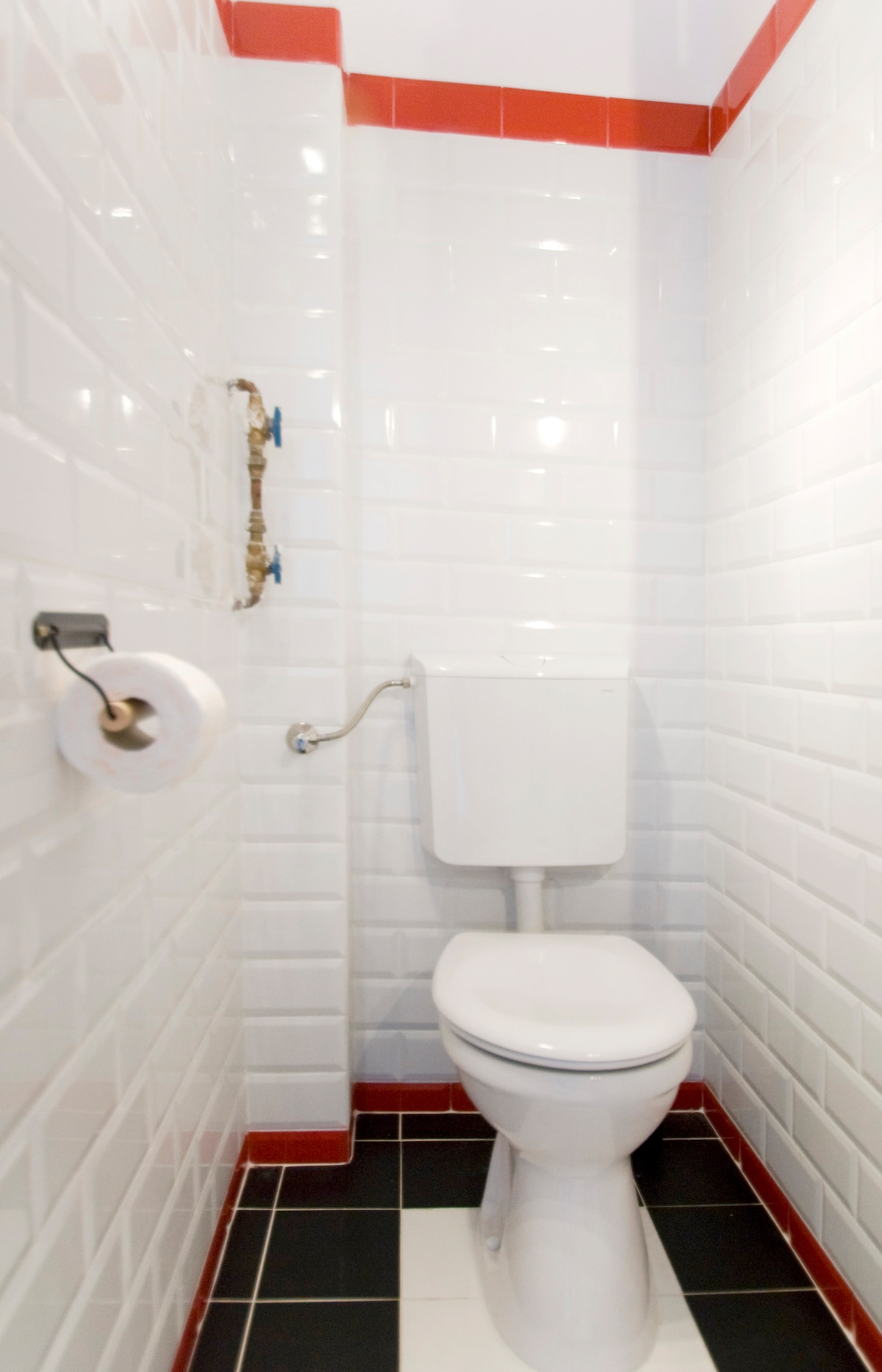 the bathroom has unlimited hot water and all the things you might need from hair dryer to a washing machine with washing powder and softener, it is cleaned everyday by the Budapesting team