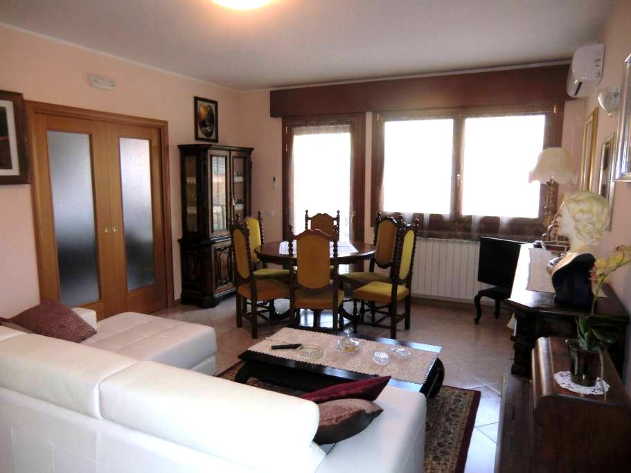 APARTMENT 10 MINUTES FROM VENICE - Mira