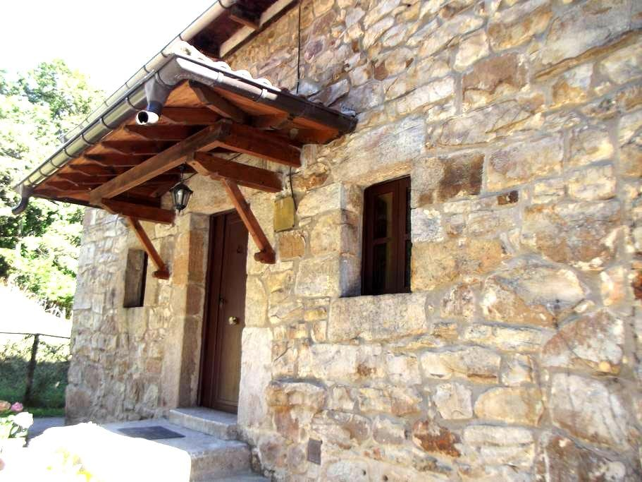 Casa completa y con vistas en zona pasiega - Sel del Tojo