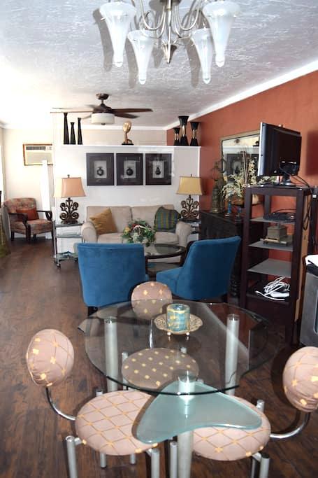 Cocoa Village  Bungalow suite - Cocoa - Bungalow
