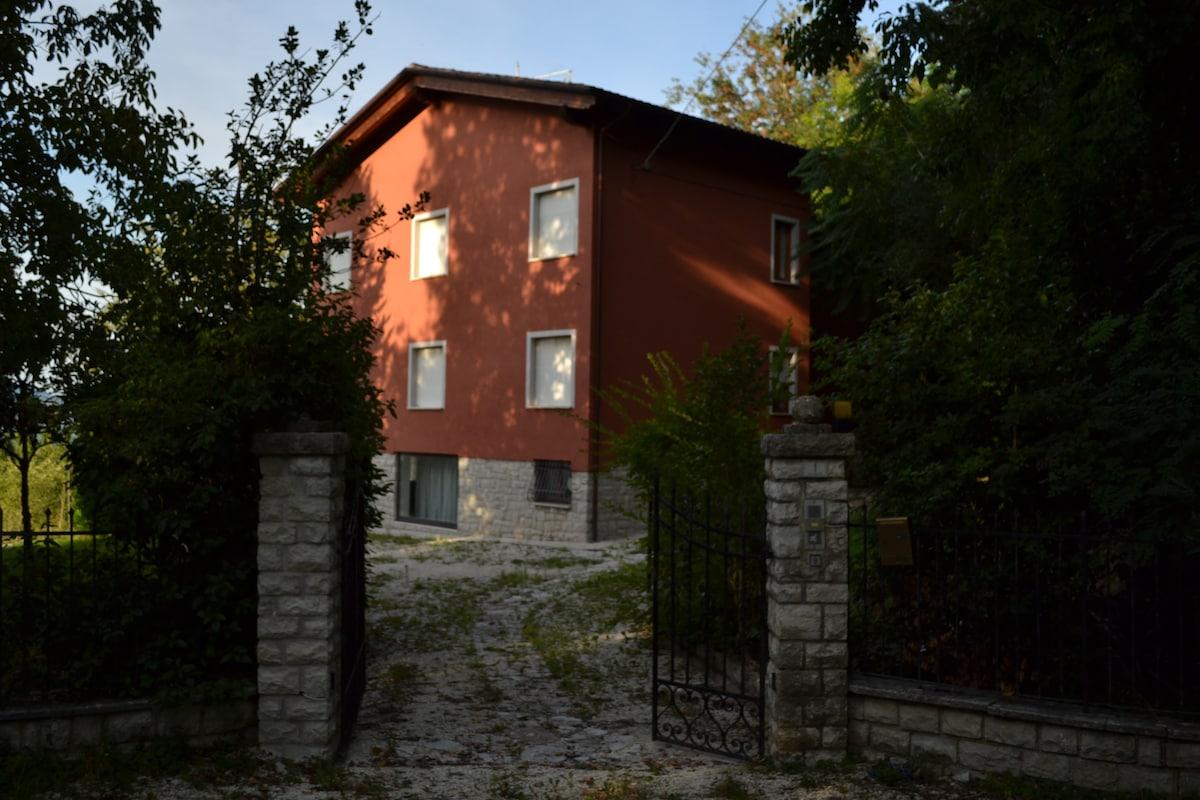 Villa nei dintorni di Gubbio (PG)