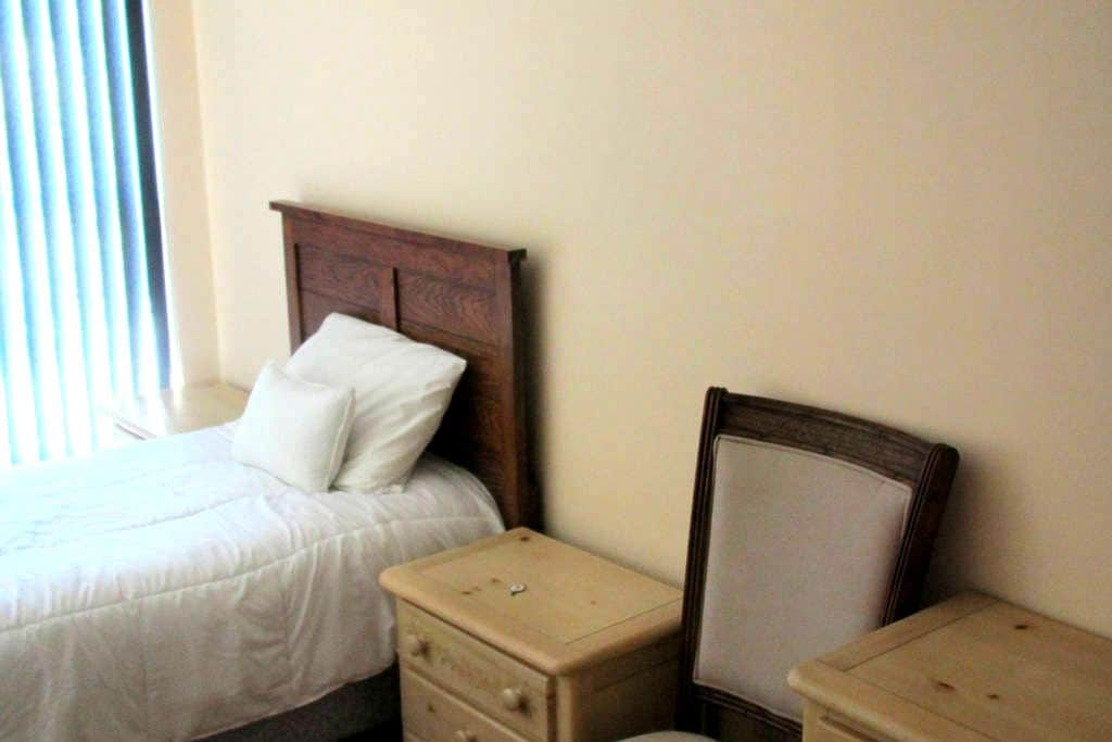 Room # 8 - Lake Wales - アパート