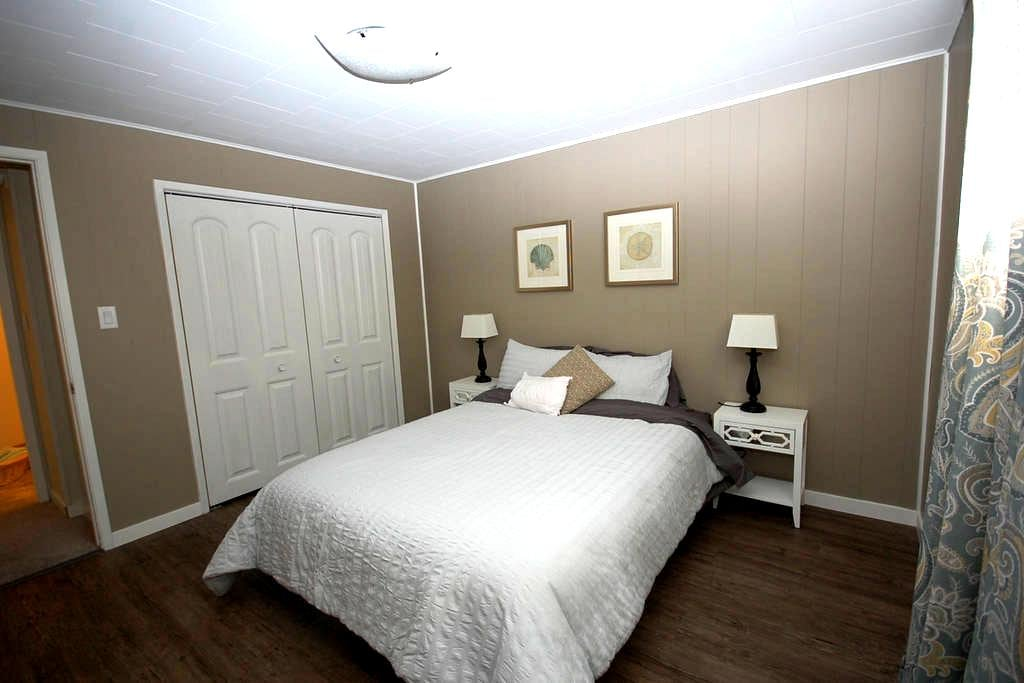 The Hilltop Suite - Salmon Arm - Other