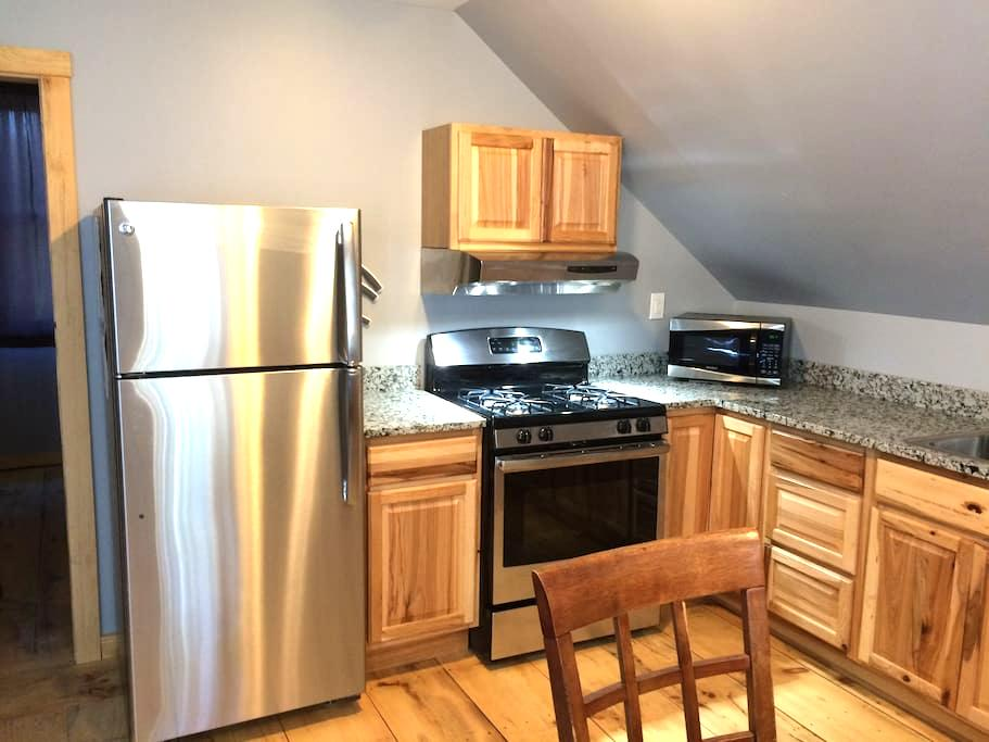 Private 1 Bedroom Vacation Rental - Warren