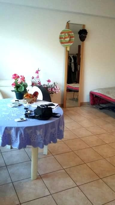 chambre tout confort - Kraainem - Appartement