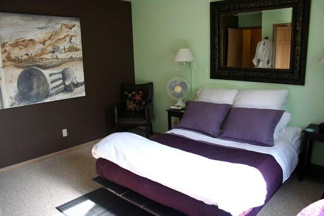 Hotel Room & Bath Alternative