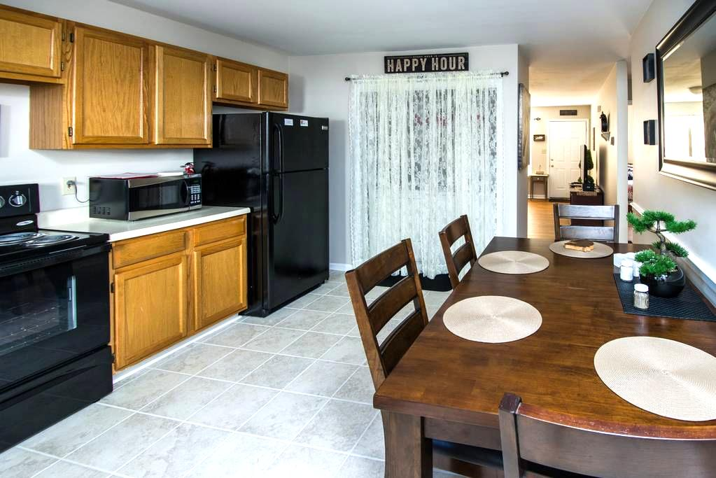 Chateau Georgetown - 2 Bedroom Apartment - Georgetown - Apartment