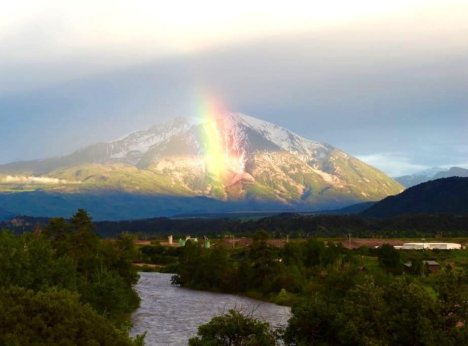 Roaring Fork River, Mt Sopris Views - Glenwood Springs - Pis