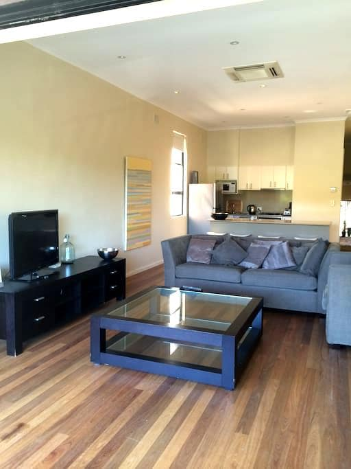 Life is a beach - Newcastle - Apartment