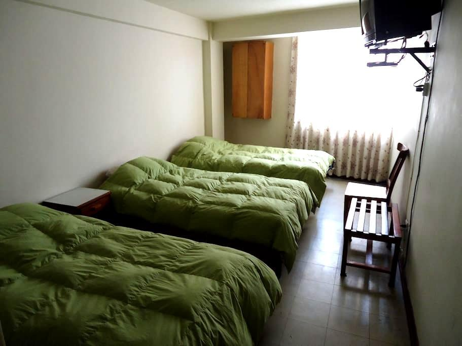 Habitacion triple en Centro de Lima - Lima - Bed & Breakfast