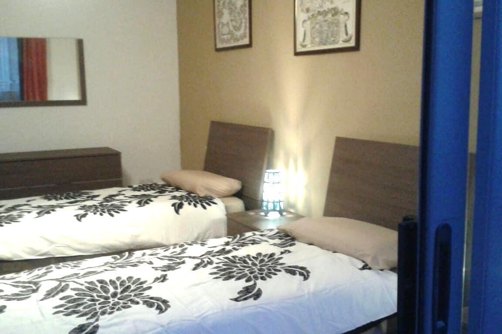 2 single beds in Zurrieq, Malta - Iż-Żurrieq - Apartemen