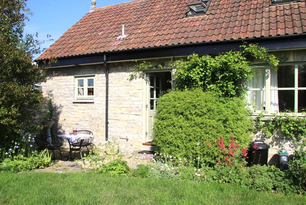 Rural cottage in peaceful location - Butleigh - Huis