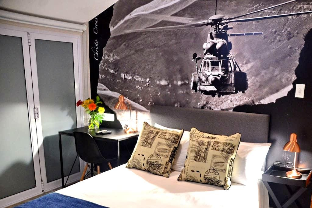 Chopper Corner (Oryx) - Durban North - Bed & Breakfast