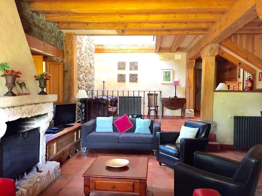 Dream house 6 pers. 17km Segovia.   - Sotosalbos - House