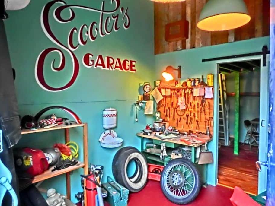 Scooter's Garage, city center, brand new, unique! - Rotterdam - Huis