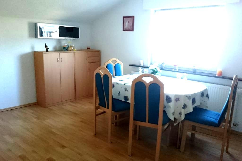 Schöne Wohnung am Rande des Naherholungsgebiets - Backnang - Apartmen