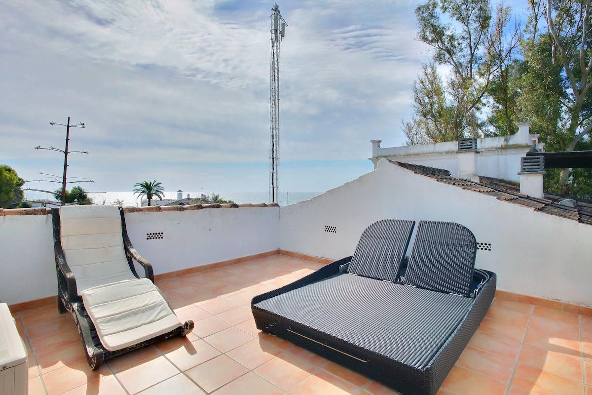 Duplex Marbella-beach in 2min walk!