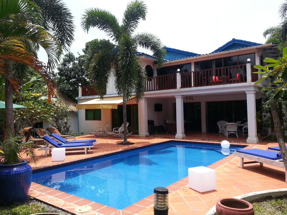 Rose Villa Double bed Pool &  Wifi