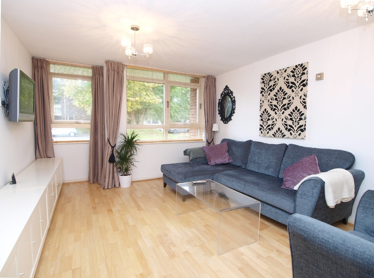Entire spacious G/floor flat