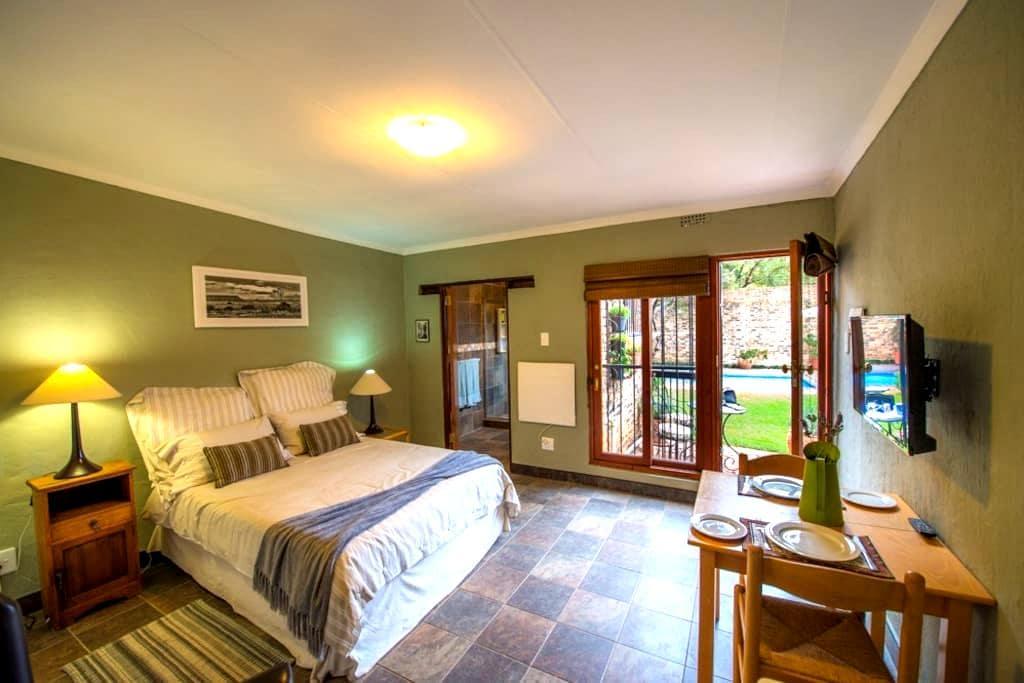 Magical Sunbeam Cottage in private garden. - Johannesburg - Rumah